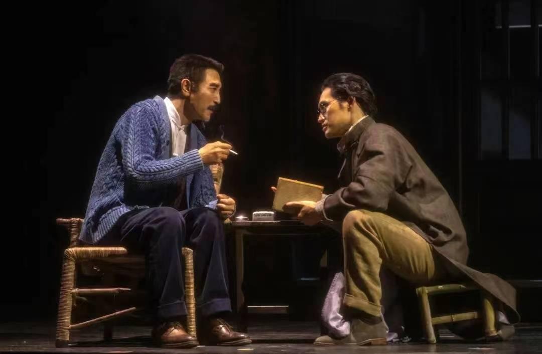 原创话剧《前哨》新一轮演出开启 袁弘称受胡歌启发重回舞台