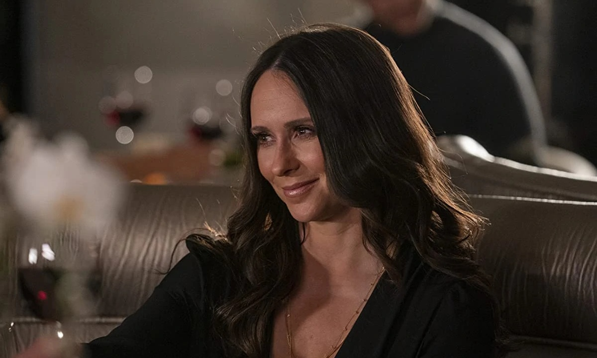 9-1-1 star Jennifer Love Hewitt shares cryptic message ahead of season 5