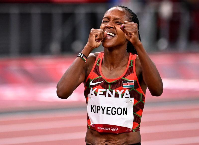 Olympics-Athletics-Kenya's Kipyegon retains 1500m gold, ends Hassan's treble dream