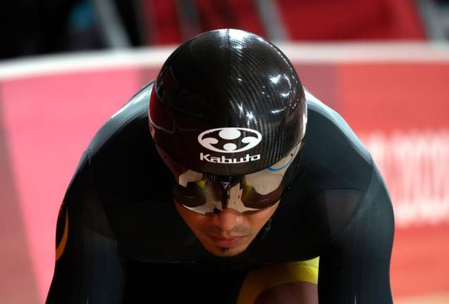 Azizulhasni keeps Malaysia's first Olympic gold medal hopes alive