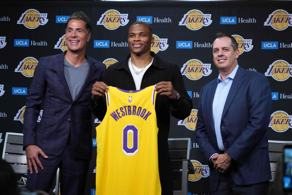 Westbrook says Lakers role to 'make game easy' for James