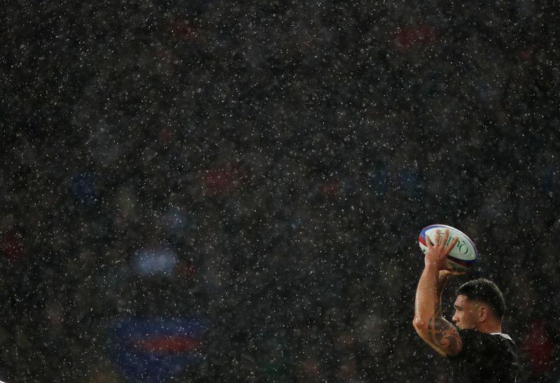 Rugby-All Blacks thrash Wallabies to keep Bledisloe for 19th straight year