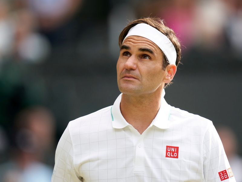 Tennis-Federer to have knee surgery, out of action for 'many months'