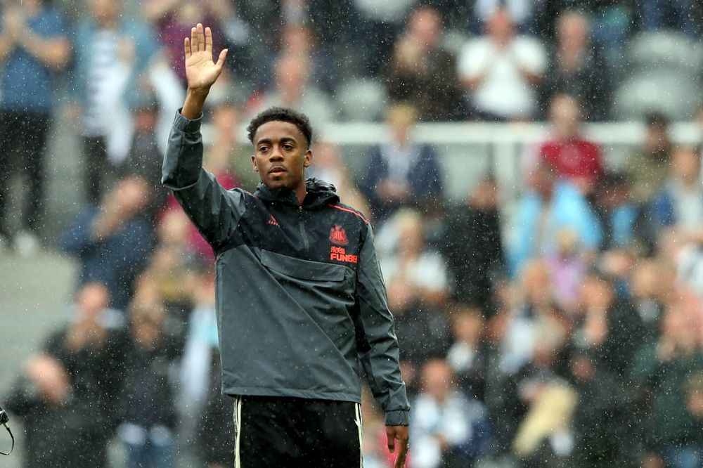 Steve Bruce asks Newcastle players to avoid social media after Willock abuse