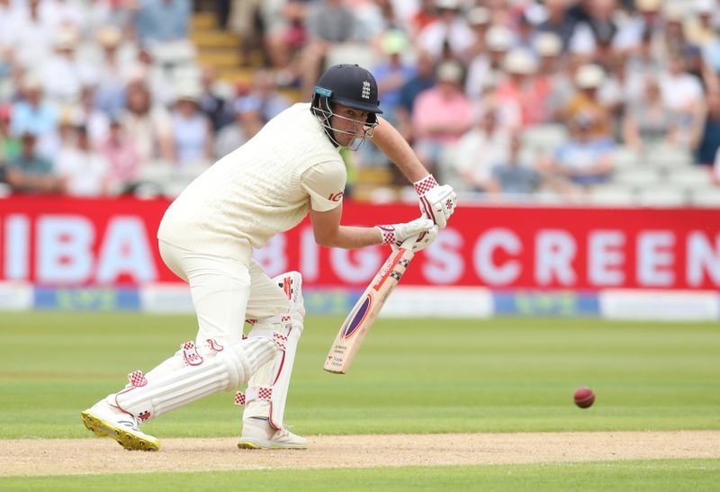 Cricket-Sibley dropped as England recall Malan for third test against India
