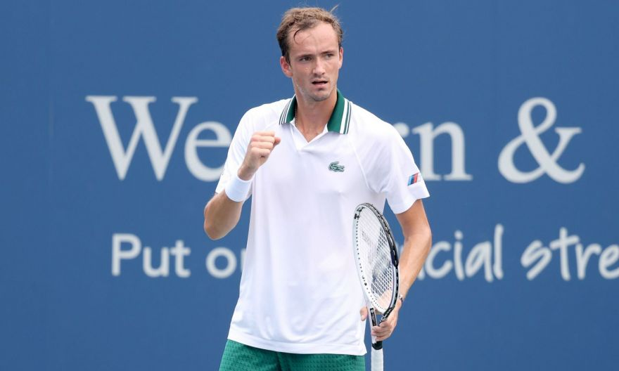 Tennis: Medvedev beats heat and Dimitrov, while Barty advances, in Cincinnati