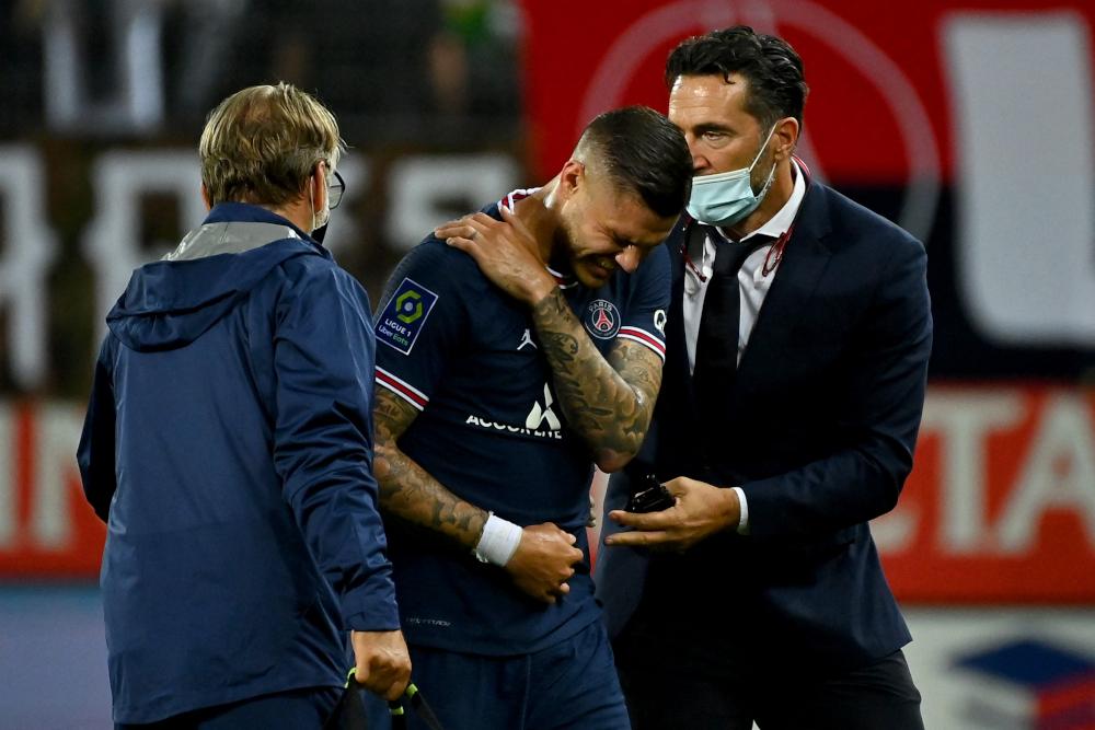 PSG lose Icardi to shoulder injury