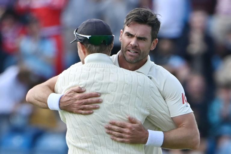 Anderson treble rocks India in third Test