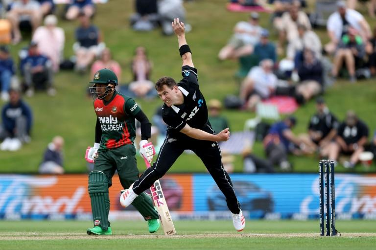 New Zealand call on Henry as Covid replacement in Bangladesh