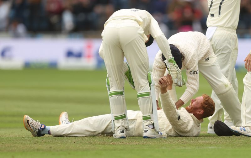 Cricket-India lose Rahul as England continue victory march