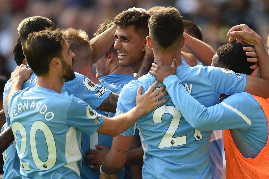 Manchester City thump ten-man Arsenal as Gunners go bottom of Premier League