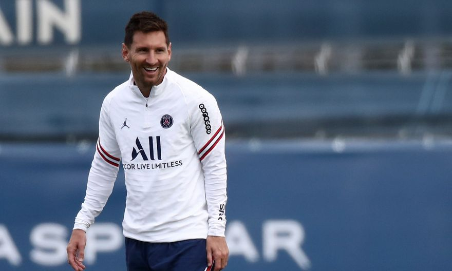 Football: Messi in PSG squad for first time and poised for debut