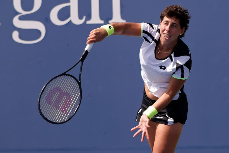 Tennis - Suarez Navarro given standing ovation as she bows out of U.S. Open
