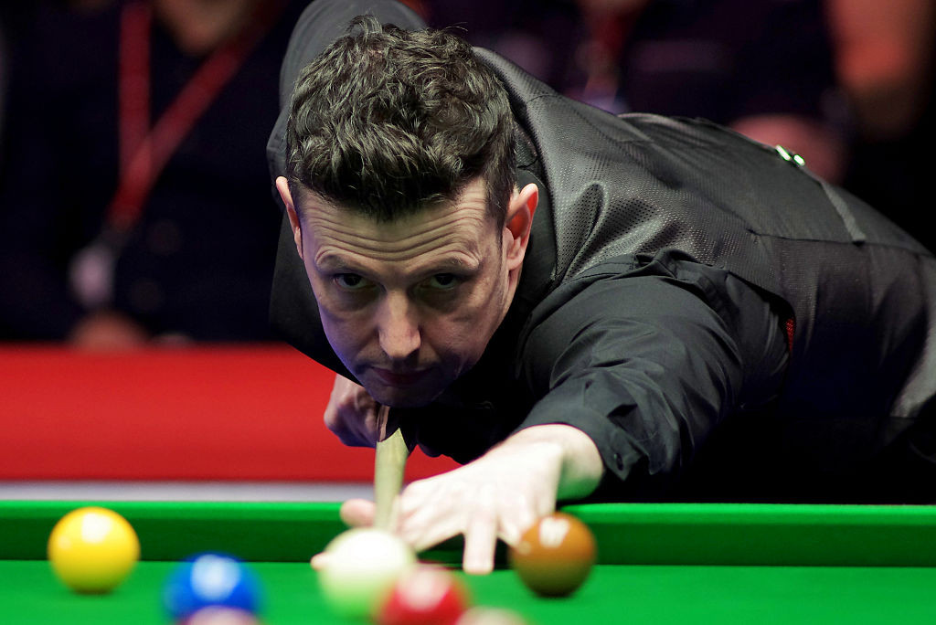 World Snooker Tour launch investigation after Peter Lines 'offered Xiao Guodong out for a fight' after match