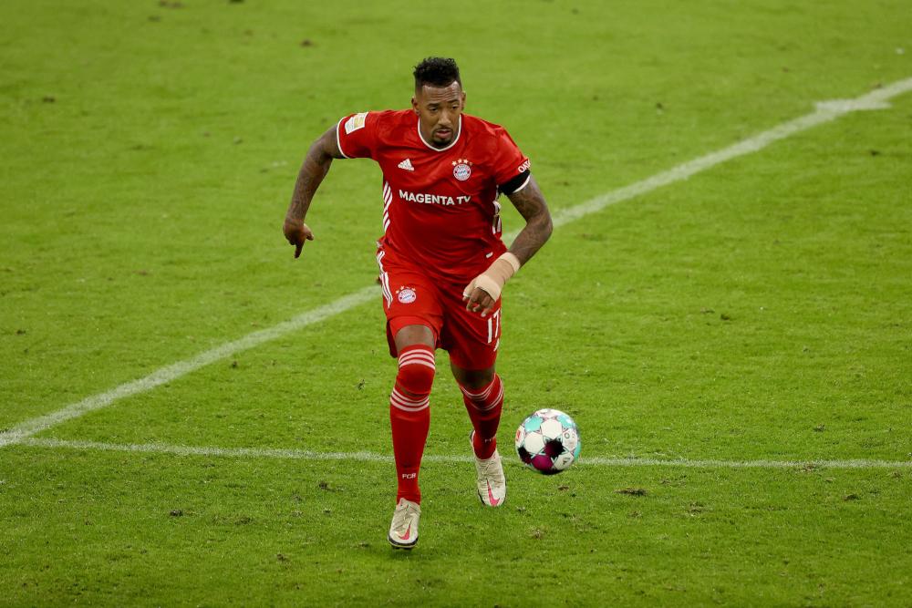 Bayern veteran Boateng signs for Lyon