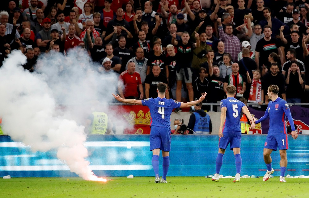 England fed off Hungarian hostility in 4-0 win, says Mount