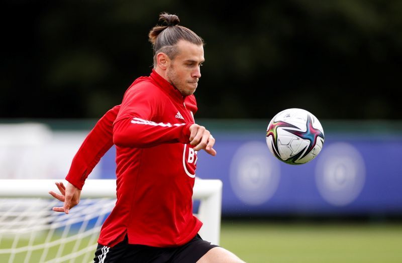 Soccer-Repeat racism offenders should be kicked out of international football, says Bale