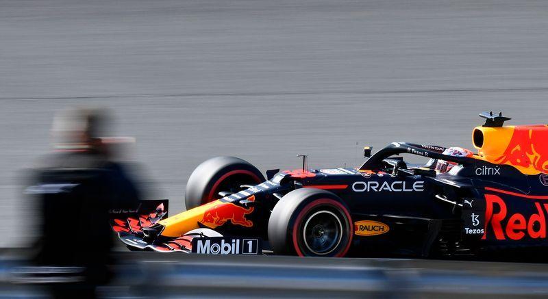 Motor racing-Verstappen tops final Dutch GP practice as Sainz crashes