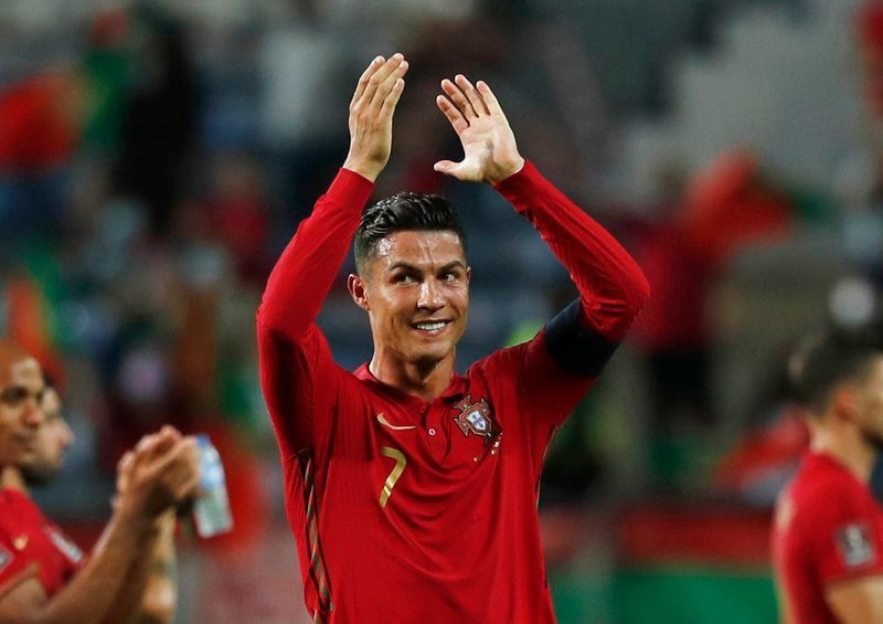 Soccer-Ronaldo set for Old Trafford homecoming party