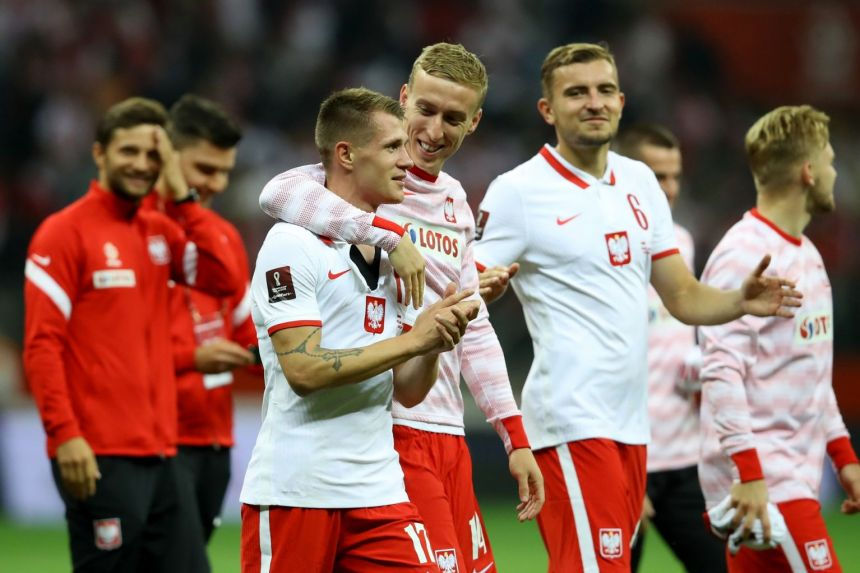 Football: Poland strike late in World Cup qualifier to end England's perfect record