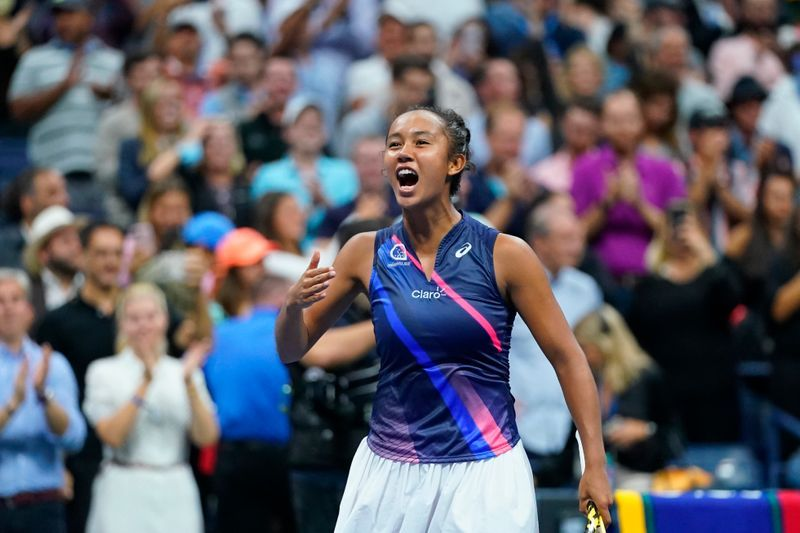 Tennis-Fernandez uses doubters as motivation to reach US Open final
