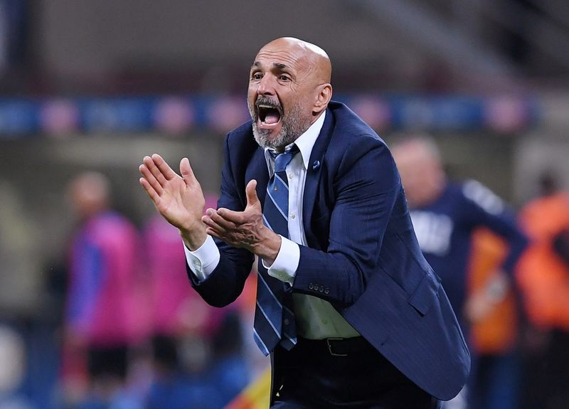 Soccer - Napoli in optimal condition against depleted Juventus - Spalletti
