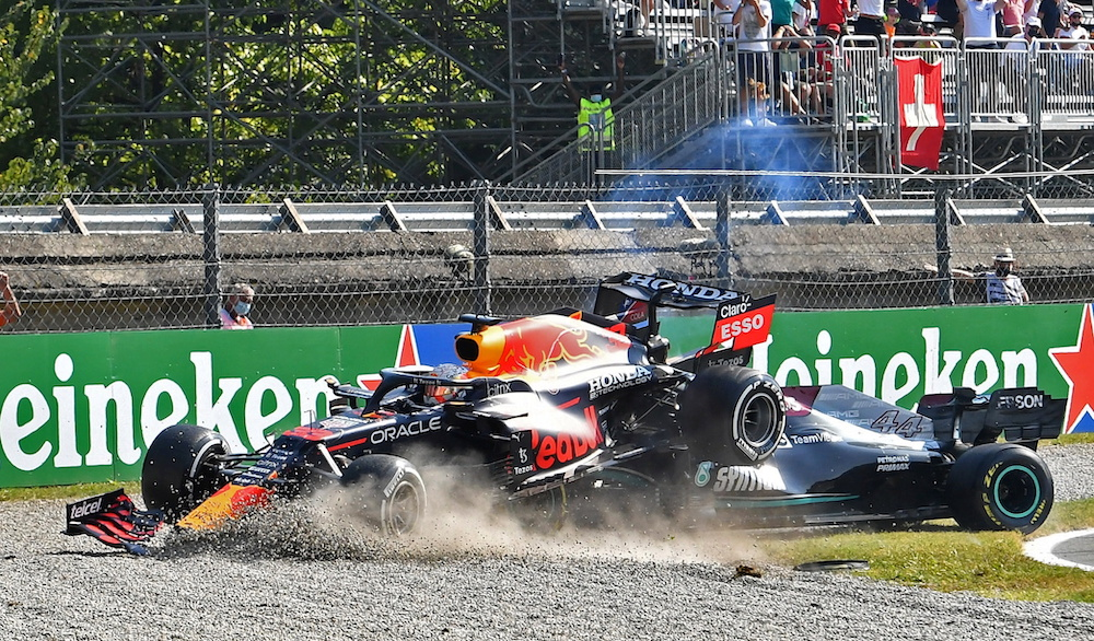 Hamilton and Verstappen collide and crash out of Italian GP
