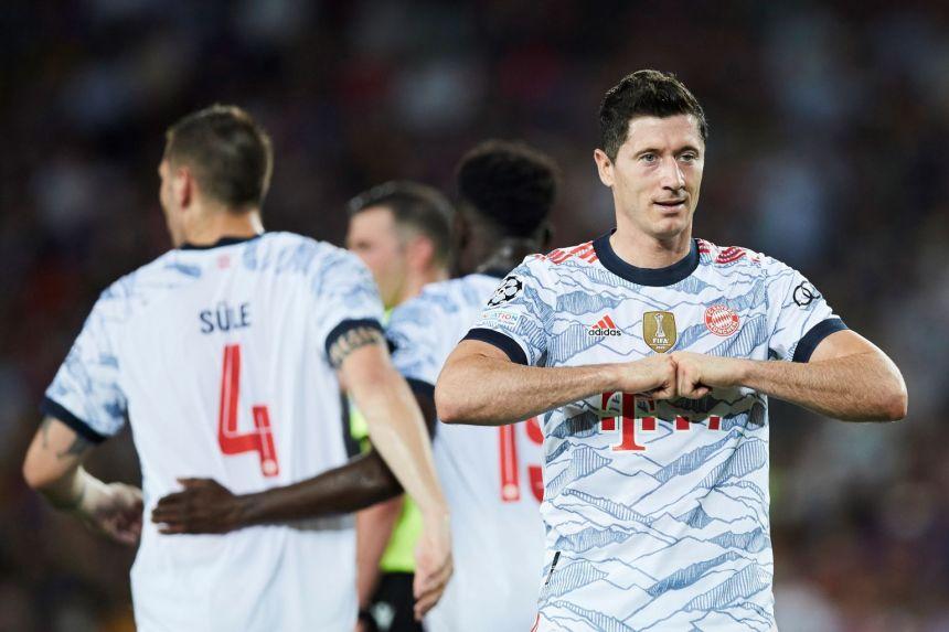 Football: Lewandowski, Mueller propel dominant Bayern to easy Champions League win at Barca