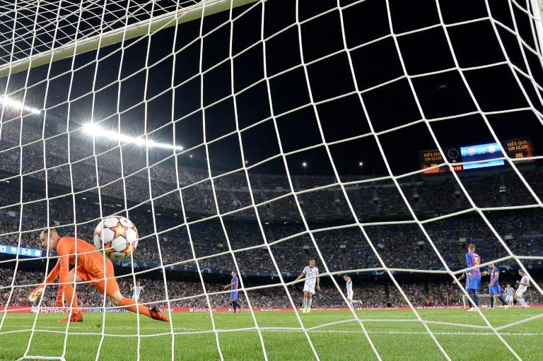 Lewandowski at the double as Bayern outplay Barca again