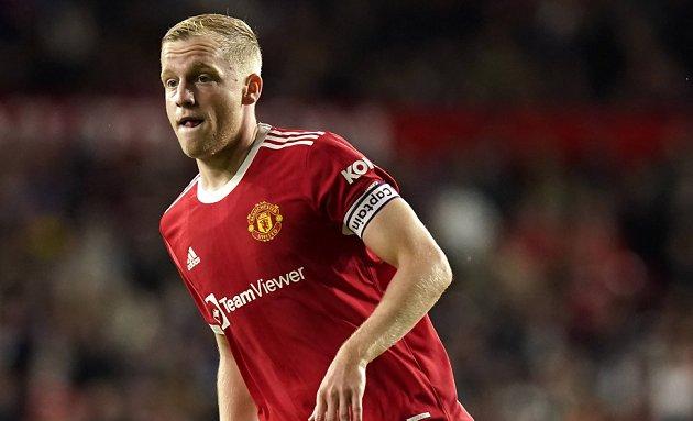 Solskjaer prepared to see Man Utd sell SEVEN senior players in January