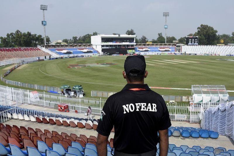 Cricket-Pakistan dread becoming no-go area again after NZ snub